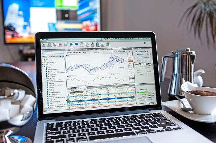 Играть на фондовой бирже через интернет
