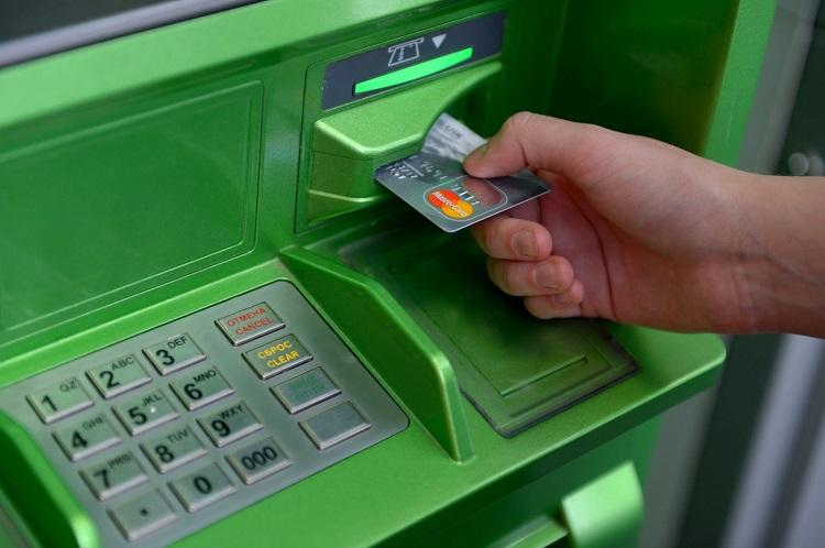 Банкомат захватил карту Сбербанка
