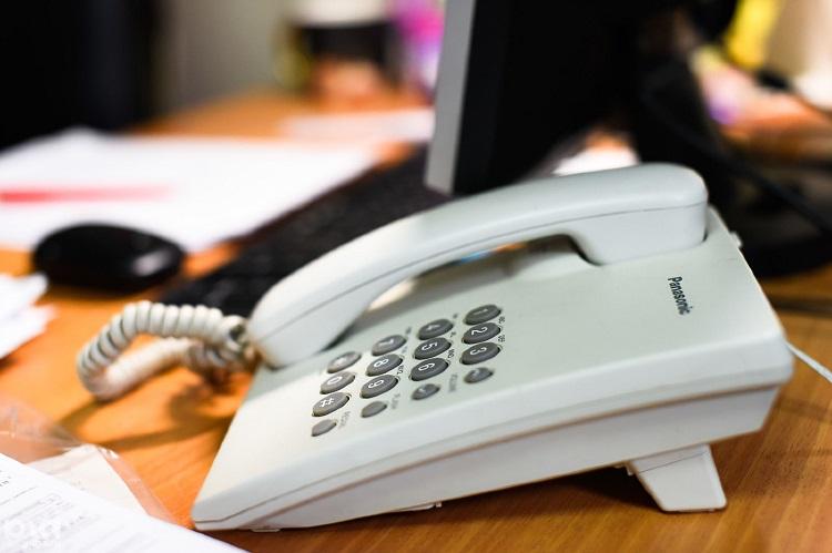 Номер телефона горячей линии Тинькофф Банка