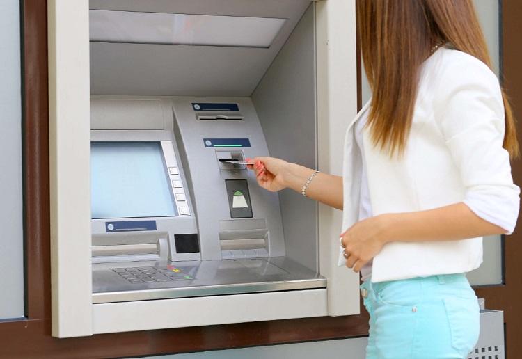 Способы отправки денег с карты Газпромбанка